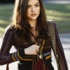 /Pretty-Little-Liars/promo1x1/Aria2-Pretty-Little-Liars-1x01.jpg