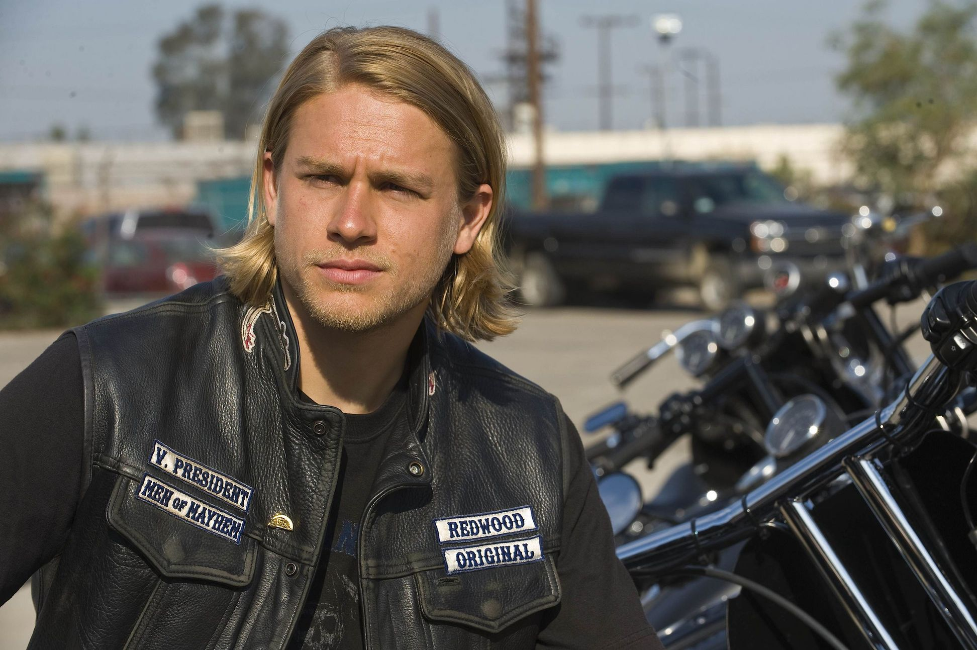 Charlie Hunnam Soa: Sons Of Anarchy Season 1 Review! (SPOILERS)