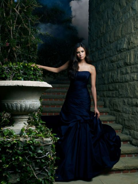 https://seriesaddict.fr/images/galerie/originals/The-Vampire-Diaries/promoSaison-2/Elena-The-Vampire-Diaries-Saison-2-2.jpg