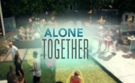 Alone Together - Trailer 1x10